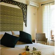 东南亚舒适卧室窗帘装修