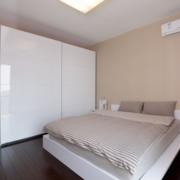精美的卧室整体图