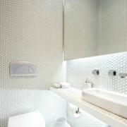 独特的卫生间背景墙图