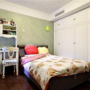 卧室背景墙色调搭配