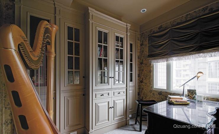 精致的欧式别墅书柜装修效果图