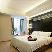 现代卧室隔断造型图