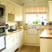 暖色调厨房整体设计