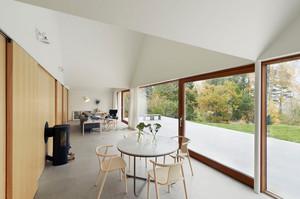 美式客厅移动玻璃隐形门装修效果图