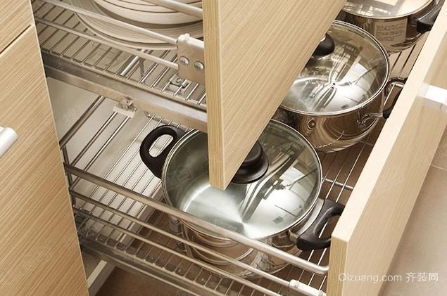 6平米小厨房橱柜拉篮装修效果图