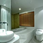 精致的浴室整体设计