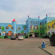 美观的幼儿园外景图