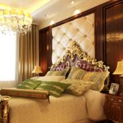 卧室床头背景墙装修窗帘图