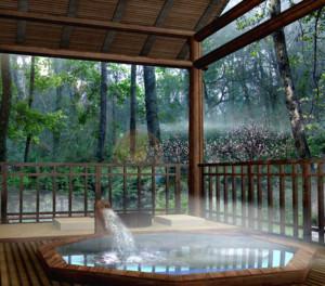 高级舒适温泉会所泡池的装修效果图