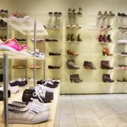 店面鞋柜装修灯光设计