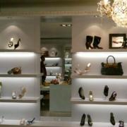 店面鞋柜装修整体图