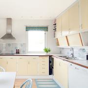 开放式厨房装修设计飘窗图