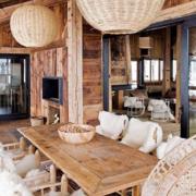 唯美的实木桌椅图