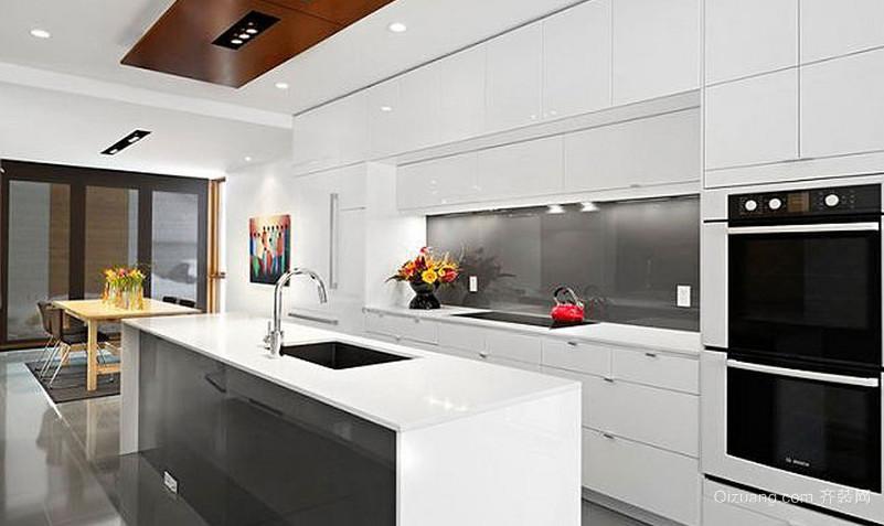 放飞心灵的90平米都市开放式厨房装修效果图