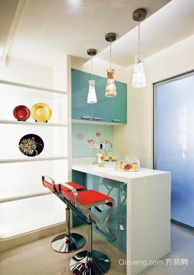 2015温馨和谐的现代厨房吧台装修效果图