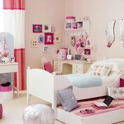 儿童房背景墙色调搭配