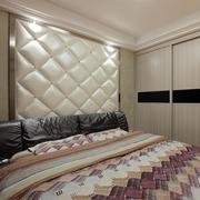 卧室软包背景墙装修灯光设计