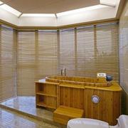浴室百叶窗帘装修色调搭配