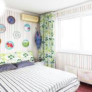 卧室墙纸装修灯光设计