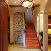美式乡村风格楼梯装修灯光设计