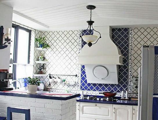 三室一厅地中海风格 小厨房吧台装修设计 效果图