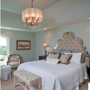 美式乡村风格卧室壁纸装修吊灯图