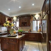 美式风格厨房装修整体图