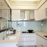 日式风格厨房装修灯光设计
