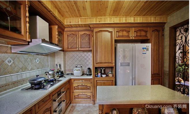 美式别墅厨房装修效果图