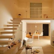 跃层式住宅客厅楼梯装修色调搭配