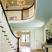 美式风格楼梯设计色调搭配
