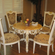 折叠式实木餐桌装修整体图