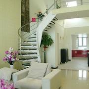 跃层式住宅客厅楼梯装修背景墙图