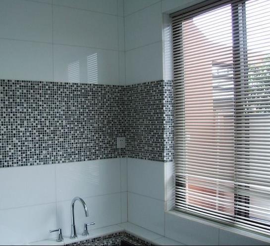庭 浴室窗户 百叶窗帘装修效果图 齐装网装修 家庭 浴室窗户 百叶 窗