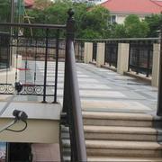 阳台护栏装修楼梯图