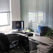 办公室百叶窗帘装修效果图
