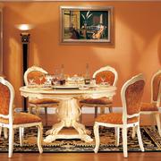折叠式实木餐桌装修色调搭配