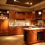 开放式厨房装修色调搭配