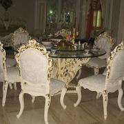 折叠式实木餐桌装修实景图