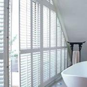浴室百叶窗帘装修整体图