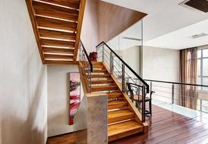 室内实木楼梯设计图片鉴赏