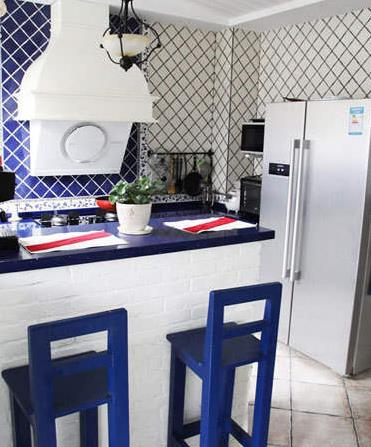 地中海风格 小厨房吧台装修设计 效果图