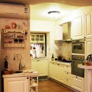 美式乡村风格厨房装修灯光设计