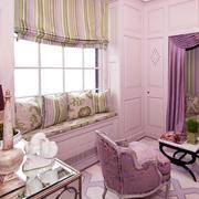 单身公寓窗帘装修桌椅图