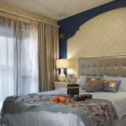 窗帘装修床铺图