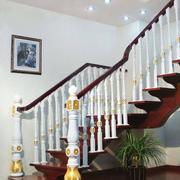 小复式楼实木楼梯装修吊顶图