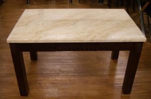 大理石餐桌装修效果图