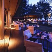 度假村餐厅装修灯光设计