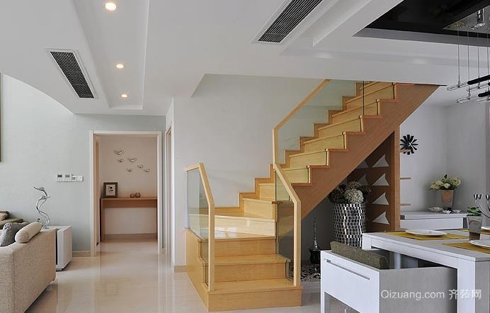 2015小复式楼实木楼梯装修效果图