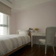 小房间装修飘窗图